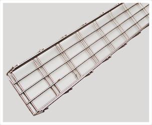100X50弯边钢网桥架